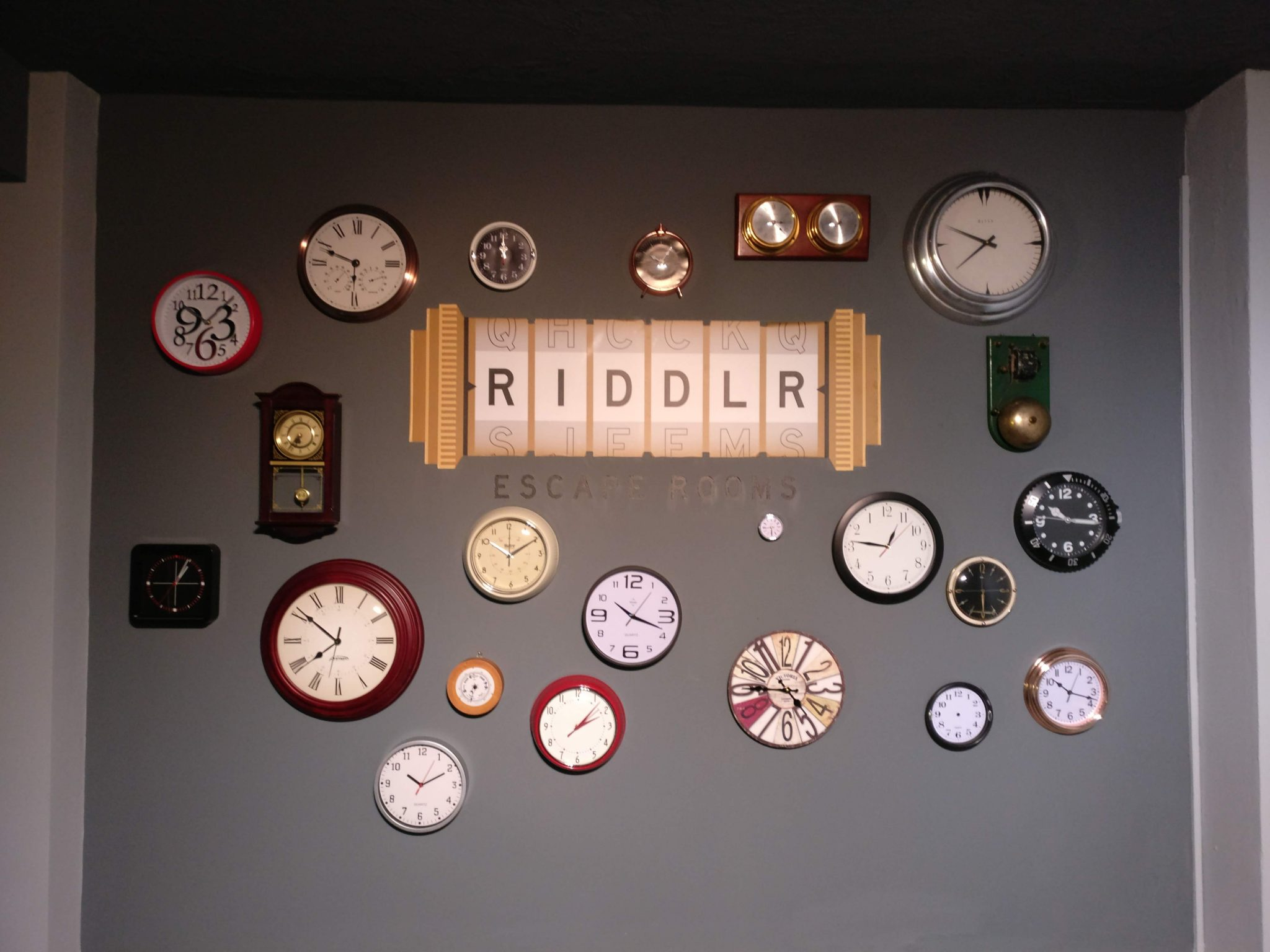 Riddlr's clock filled waiting area